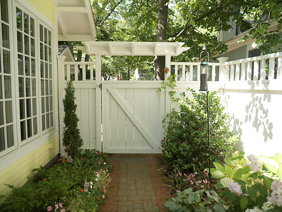 Gate Amp Gate Operators Fence Consultants Of West Michigan
