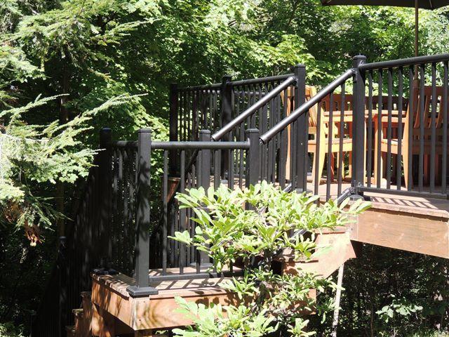 decorative aluminum railing.  Photo for Aluminum Railing Fence Consultants of West Michigan